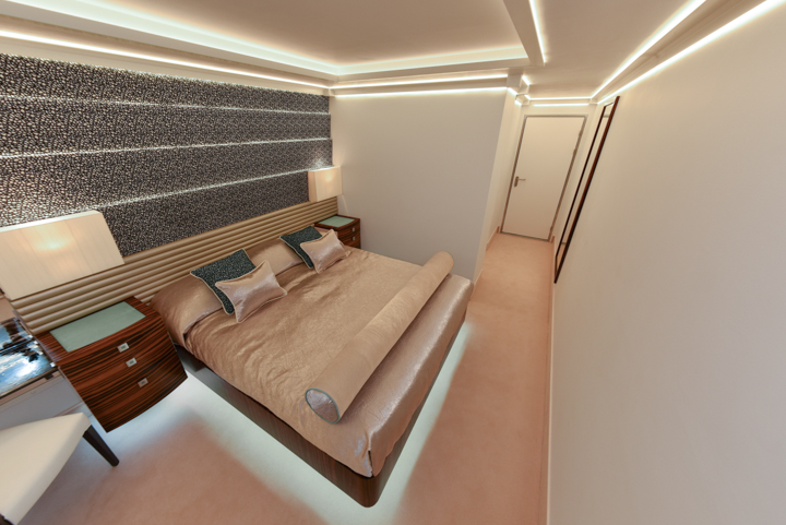 lightweight-composite-cabin